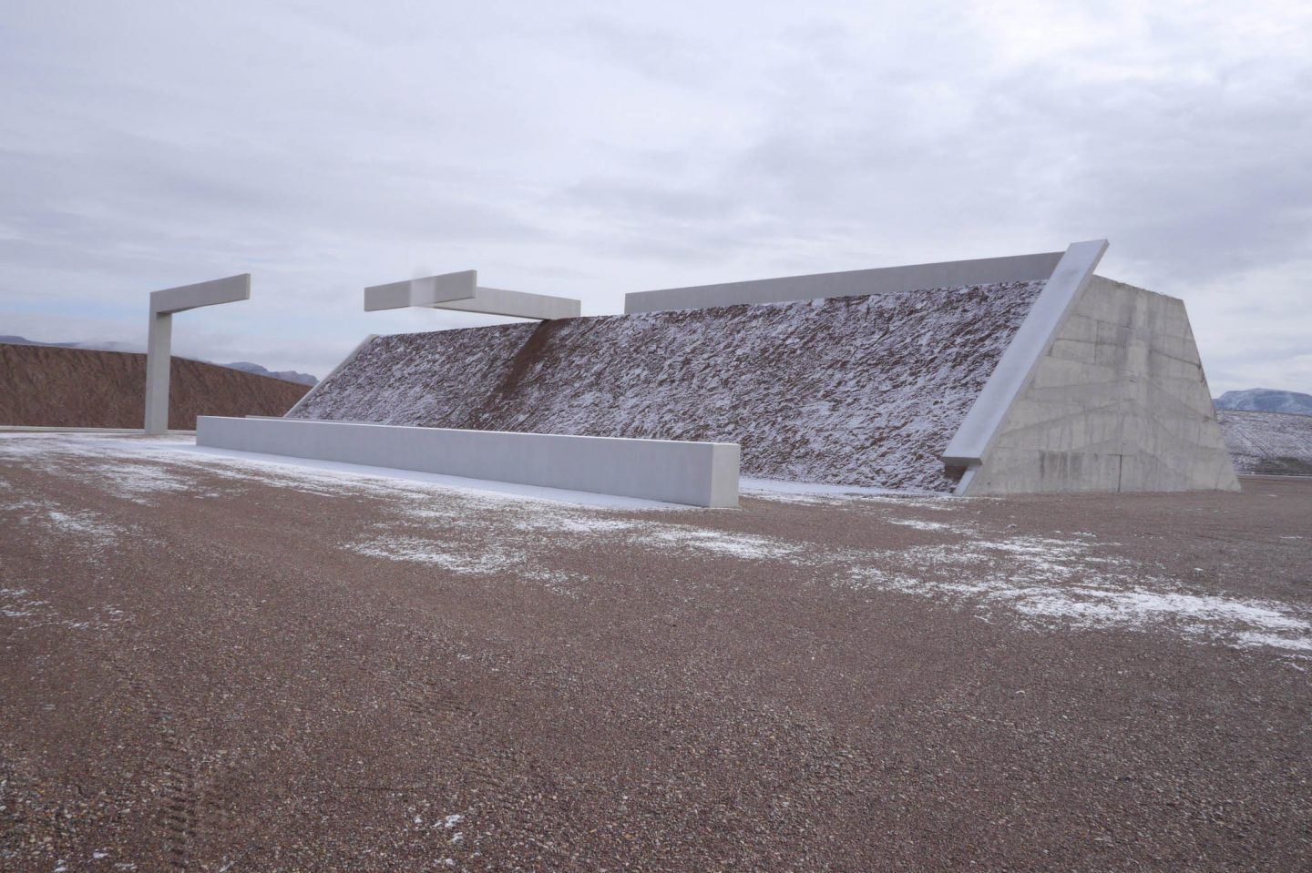 IGNANT-Art-Michael-Heizer-City-12