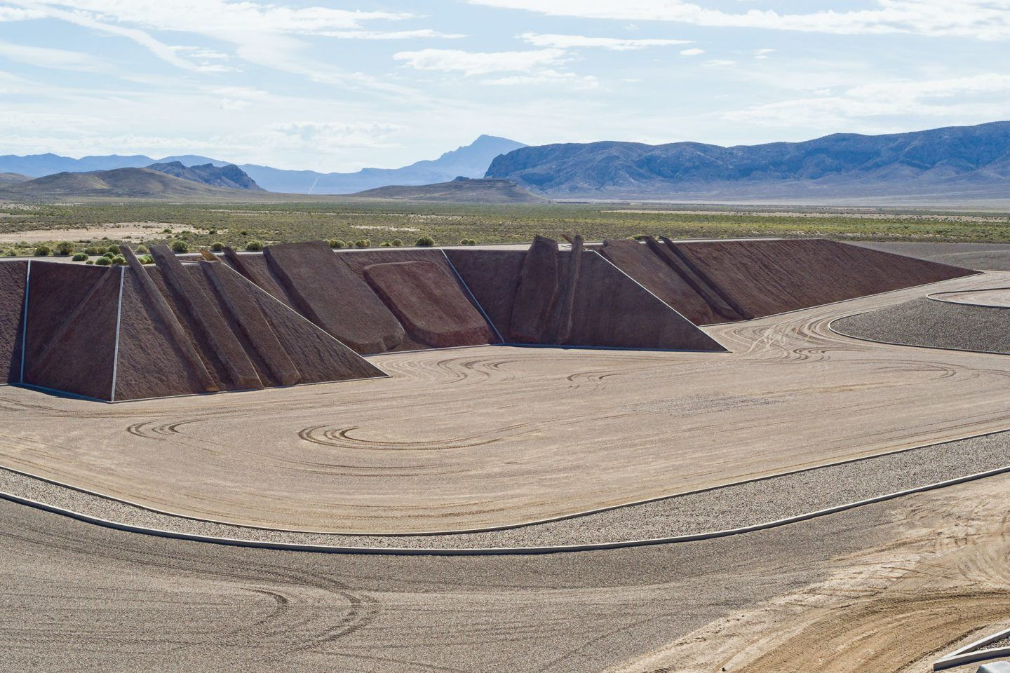 IGNANT-Art-Michael-Heizer-City-2