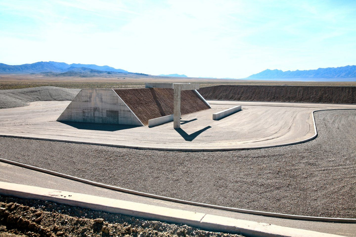 IGNANT-Art-Michael-Heizer-City-3