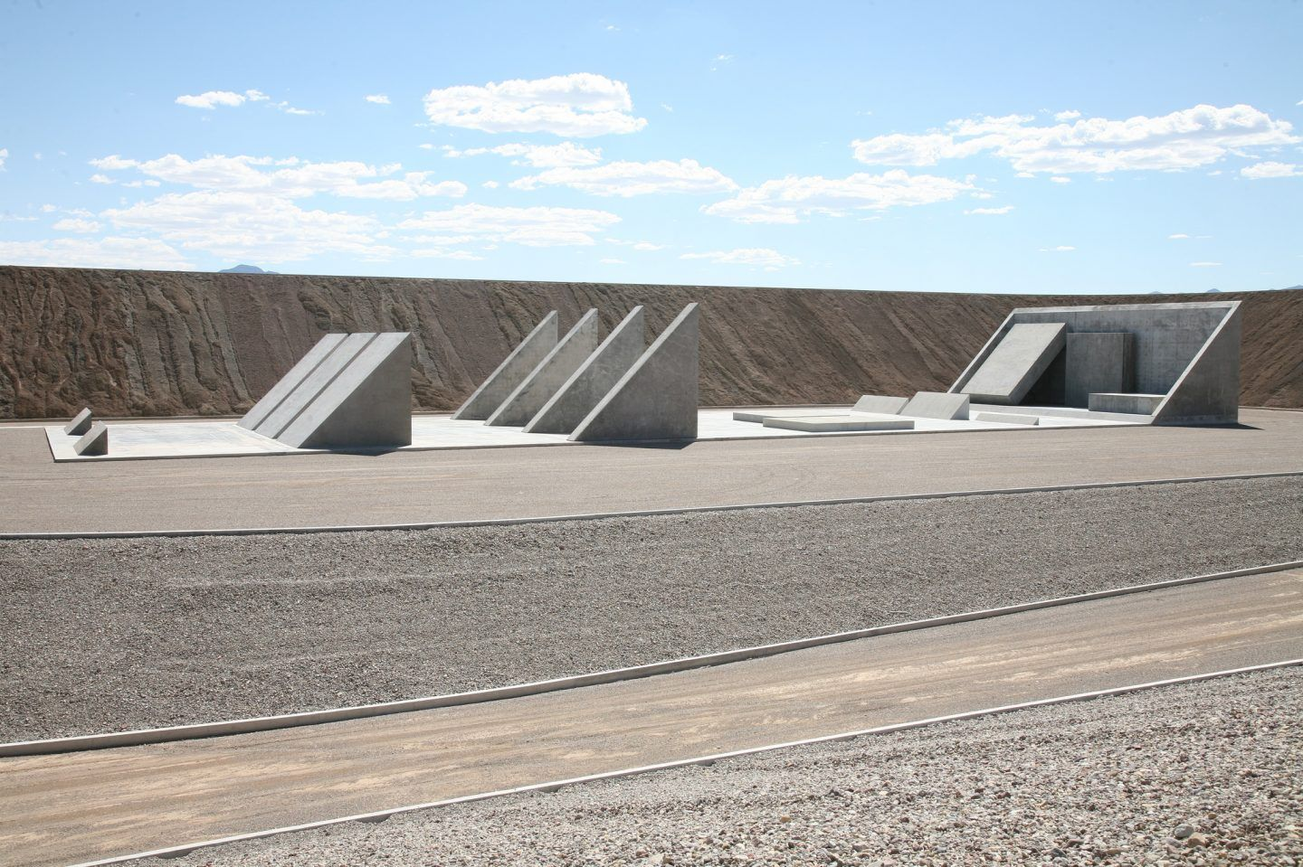 IGNANT-Art-Michael-Heizer-City-4