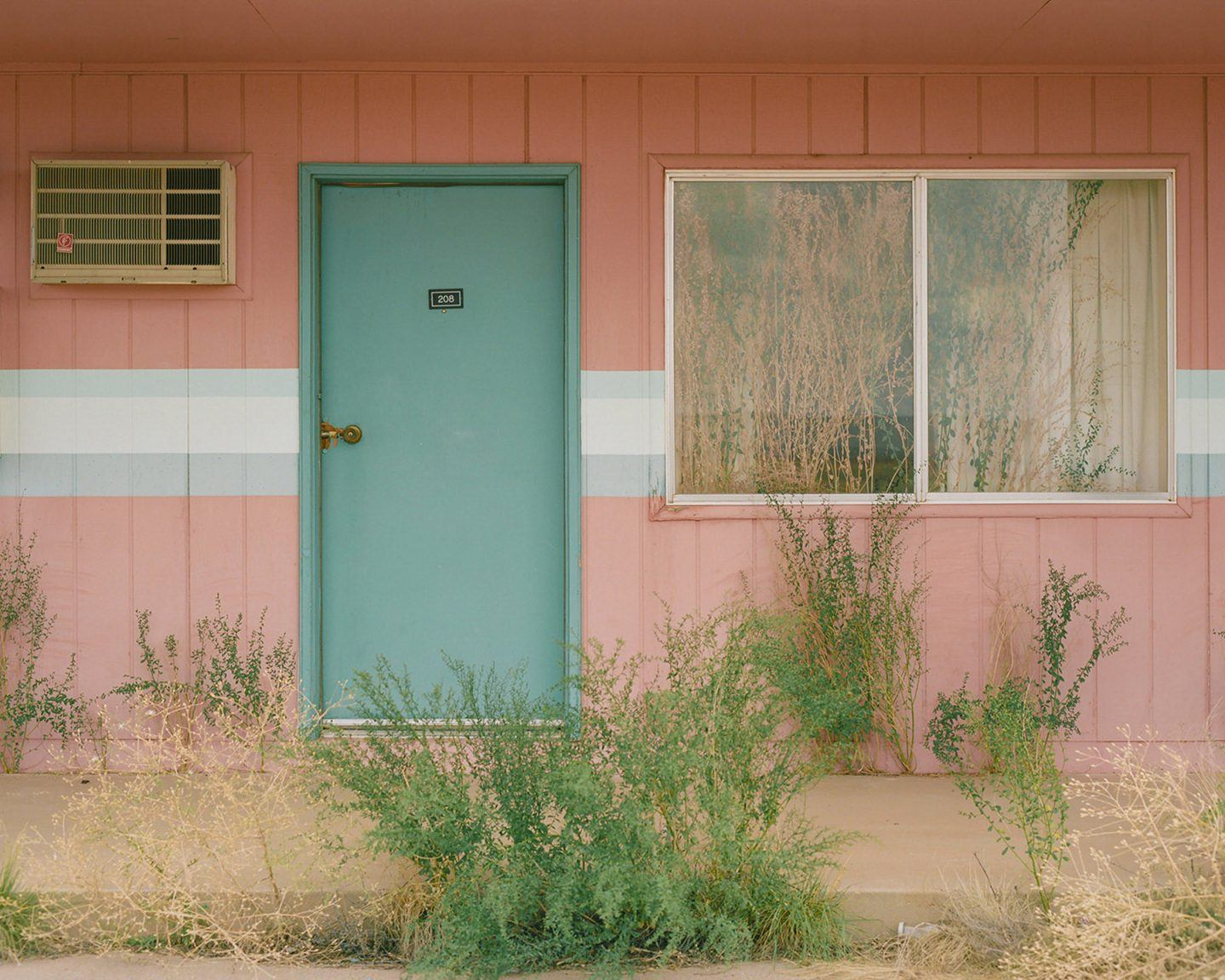 IGNANT-Photography-Dino-Kuznik-Arizona-Pastels-15