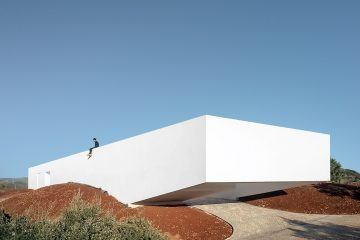 ignant-architecture-vitor-vilhena-architects-house-in-messines-11-(1)-2