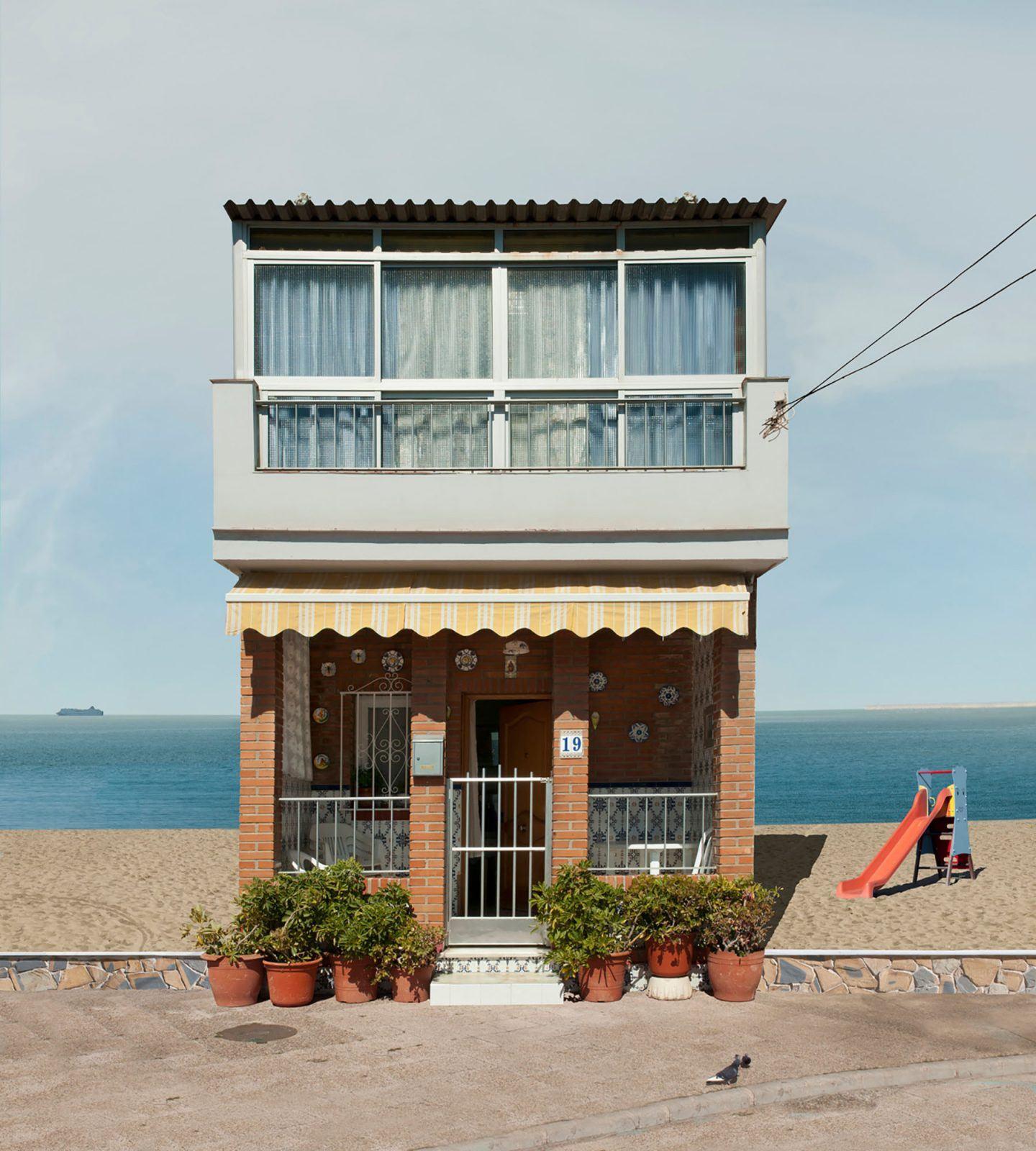 IGNANT-Photography-Katharina-Fitz-Malaga-Paracosmic-Houses-10