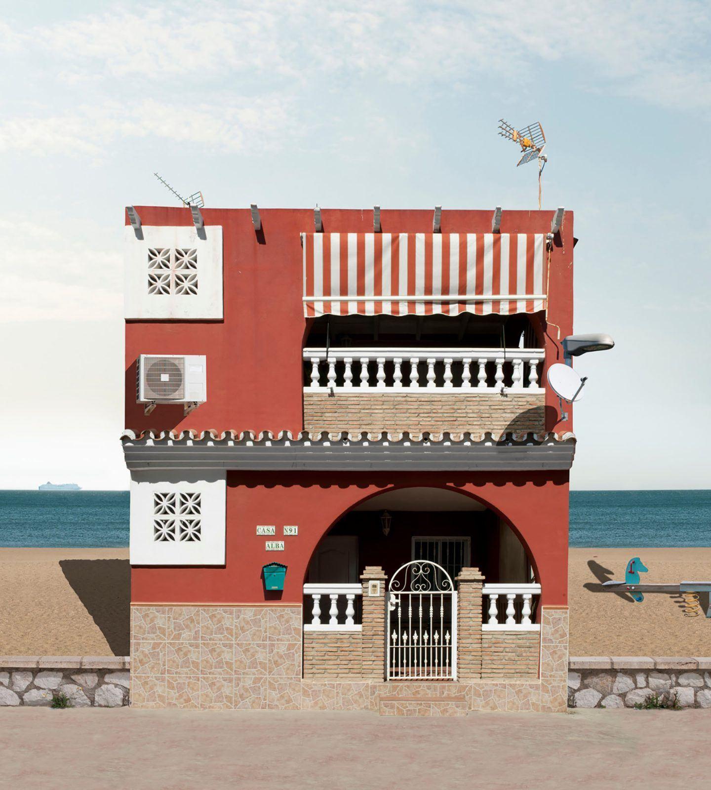IGNANT-Photography-Katharina-Fitz-Malaga-Paracosmic-Houses-6