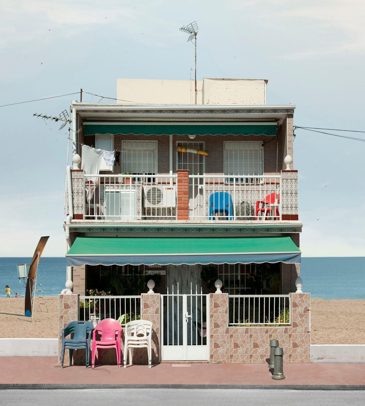 IGNANT-Photography-Katharina-Fitz-Malaga-Paracosmic-Houses-8