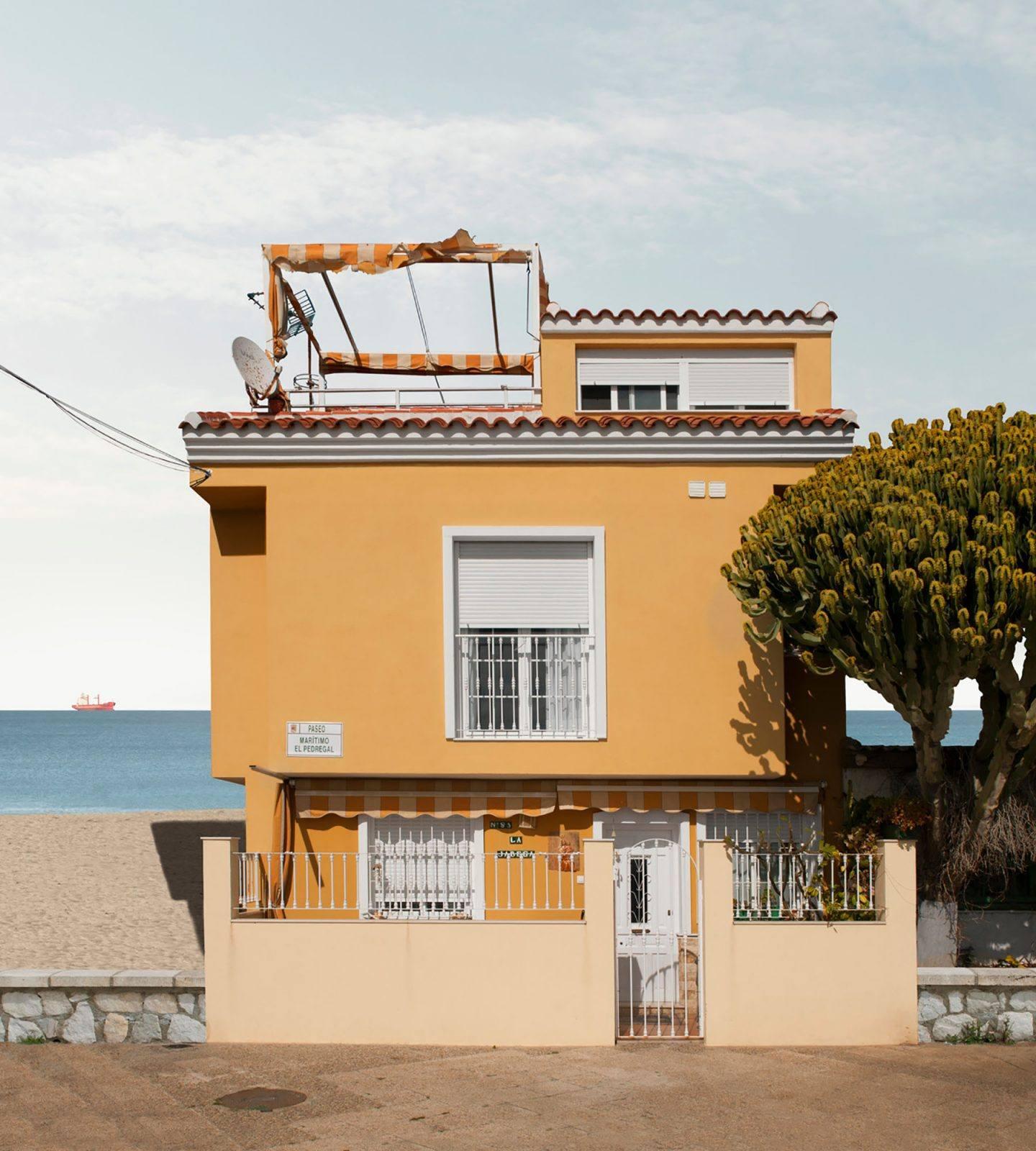 IGNANT-Photography-Katharina-Fitz-Malaga-Paracosmic-Houses-9