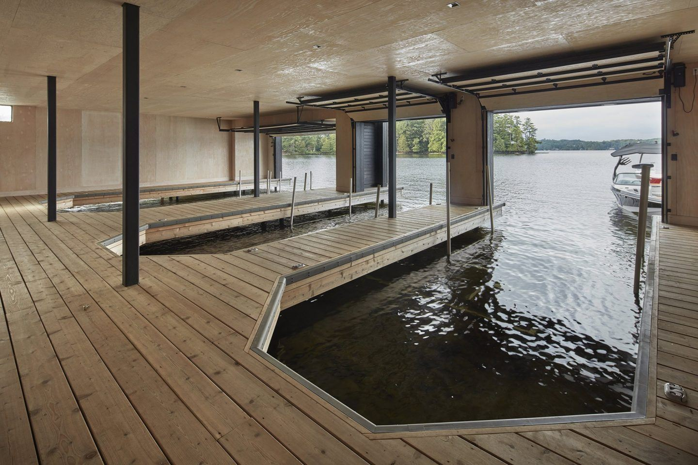 IGNANT-Architecture-Muskoka-Boathouse-10