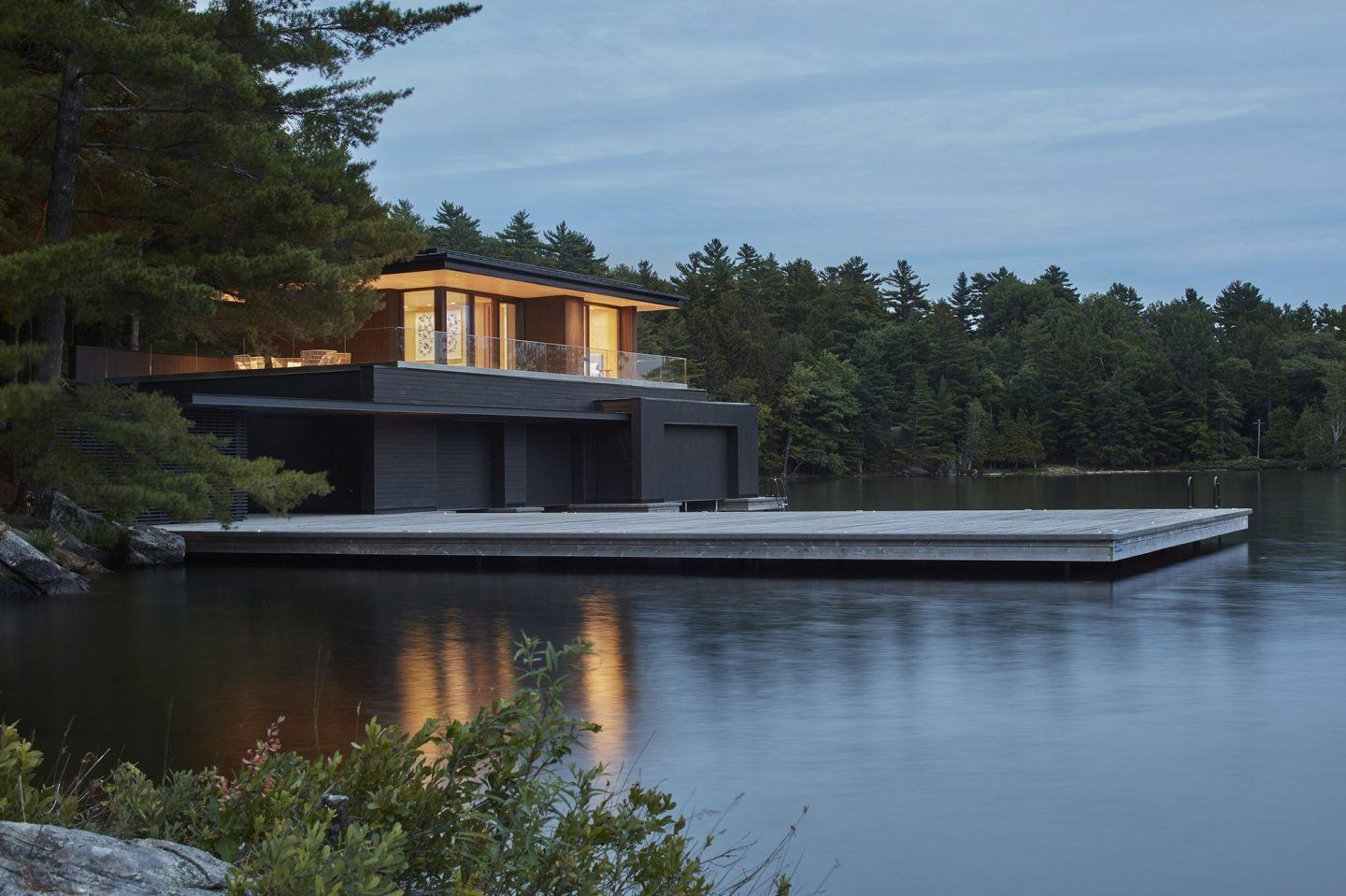 IGNANT-Architecture-Muskoka-Boathouse-13