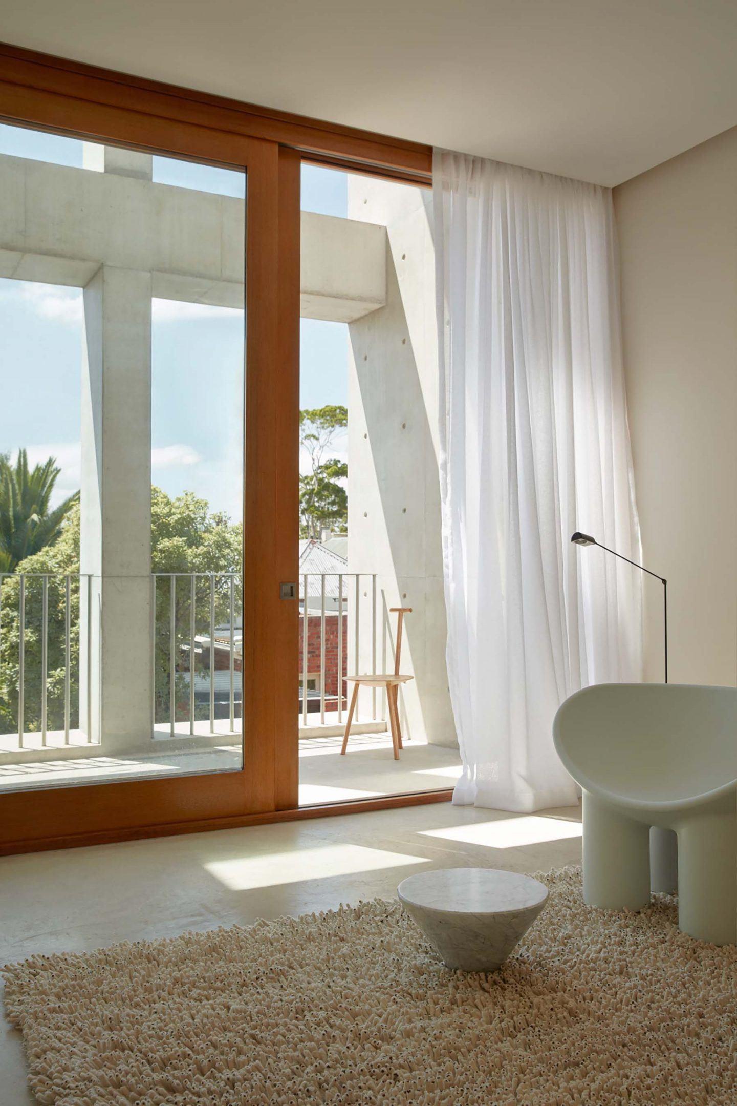 IGNANT-Architecture-Oliver-du-Puy-Architects-Skinny-House-13