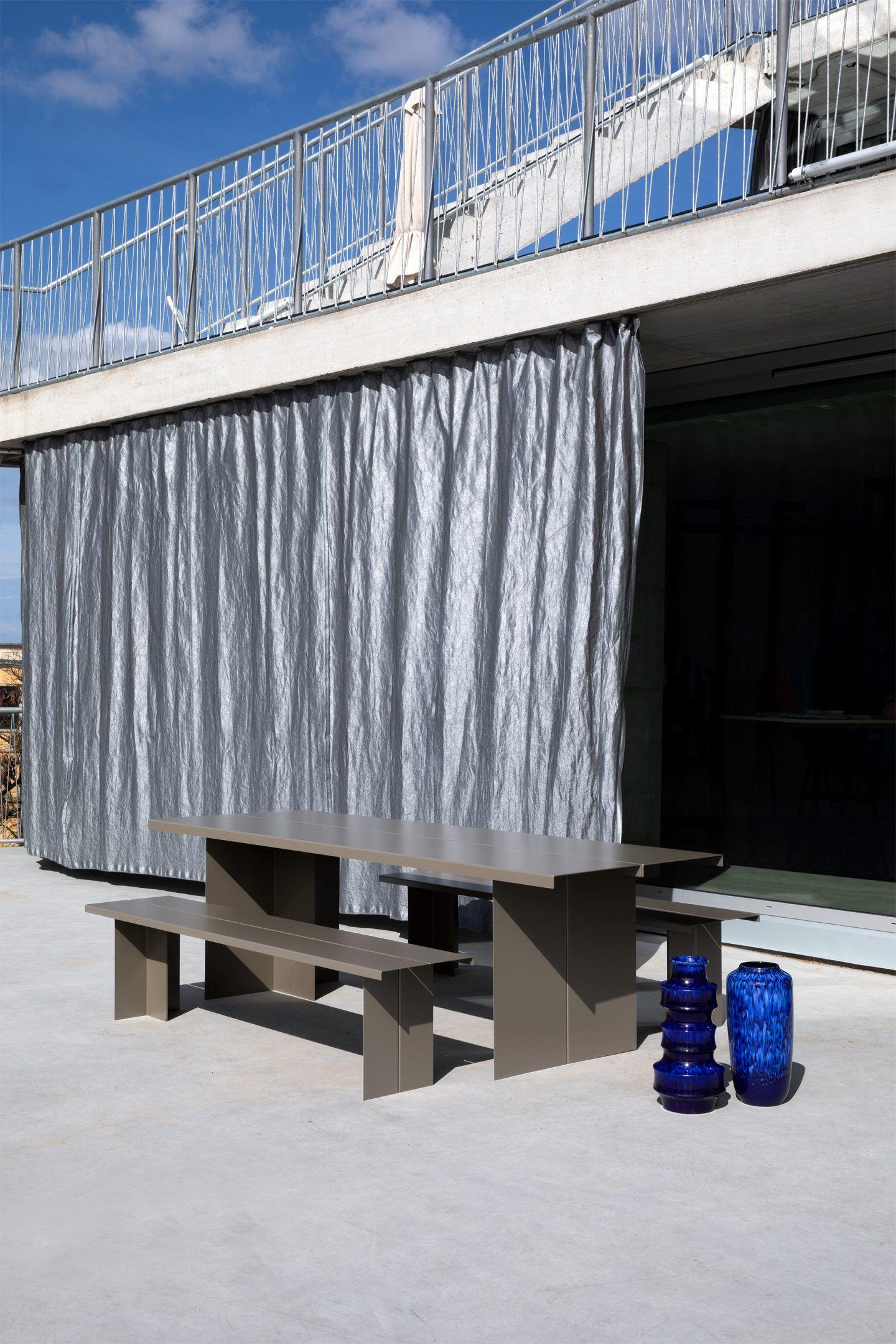IGNANT-Design-Objekte-Unserer-Tage-Zebe-Table-2