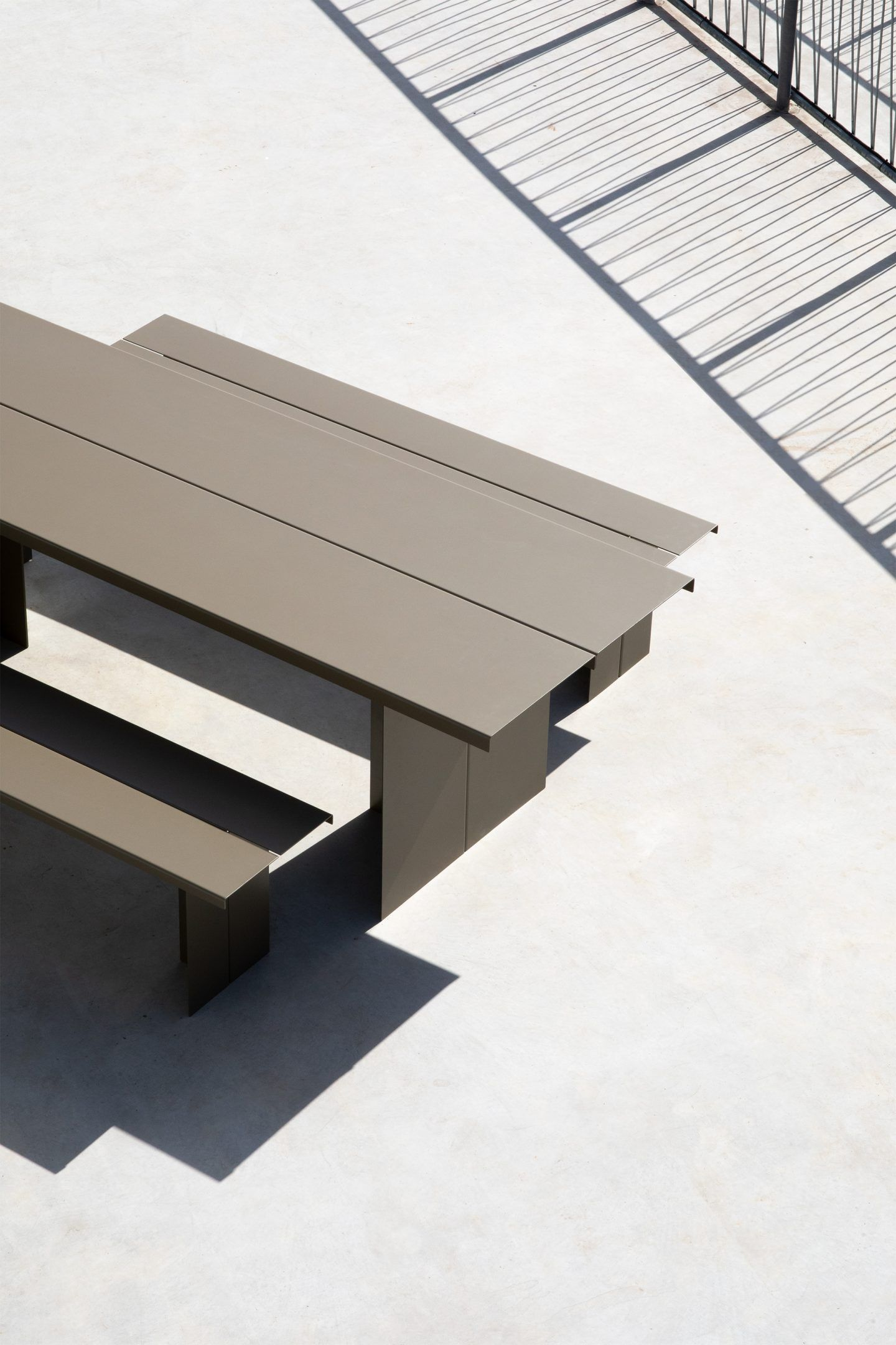 IGNANT-Design-Objekte-Unserer-Tage-Zebe-Table-3