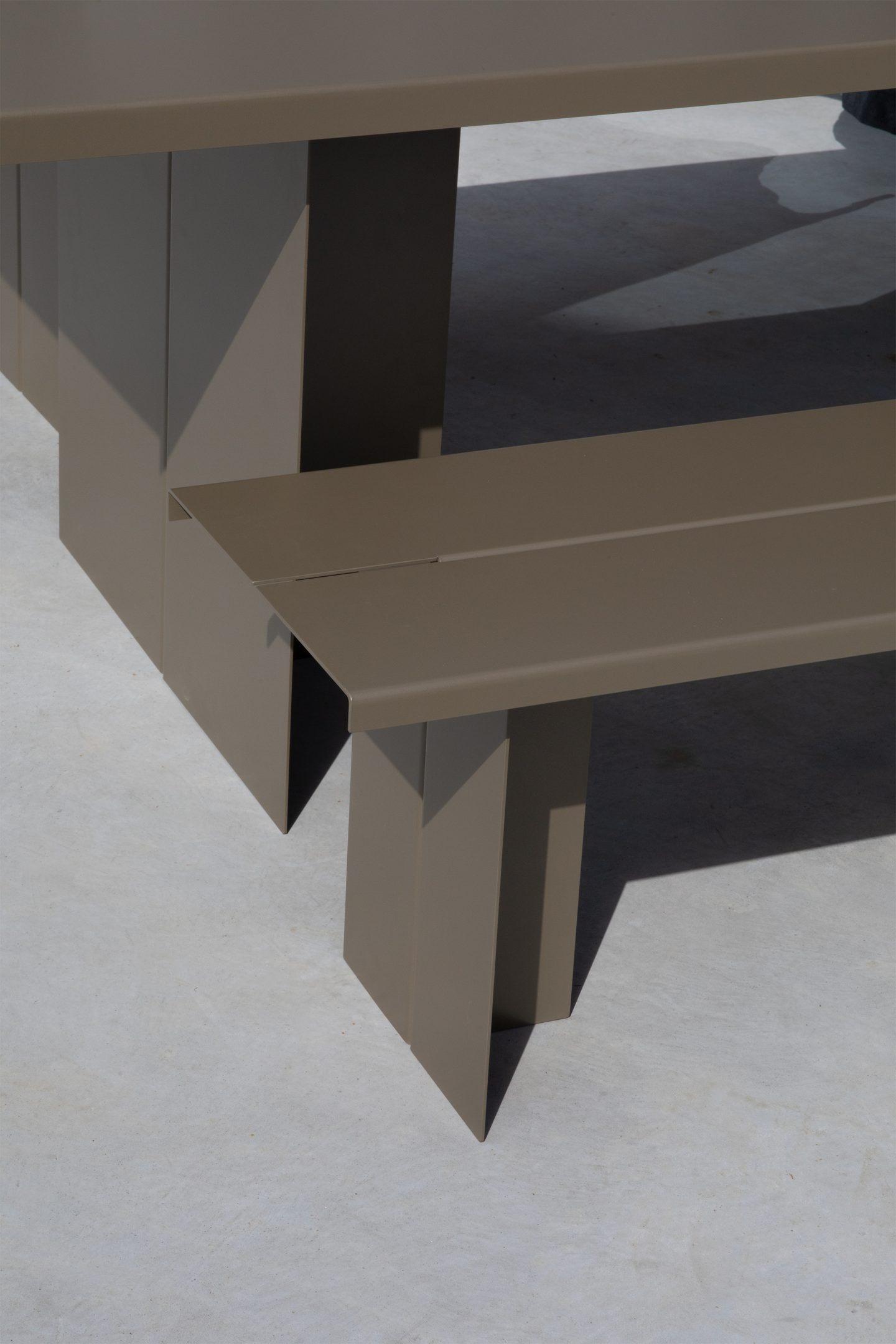 IGNANT-Design-Objekte-Unserer-Tage-Zebe-Table-6