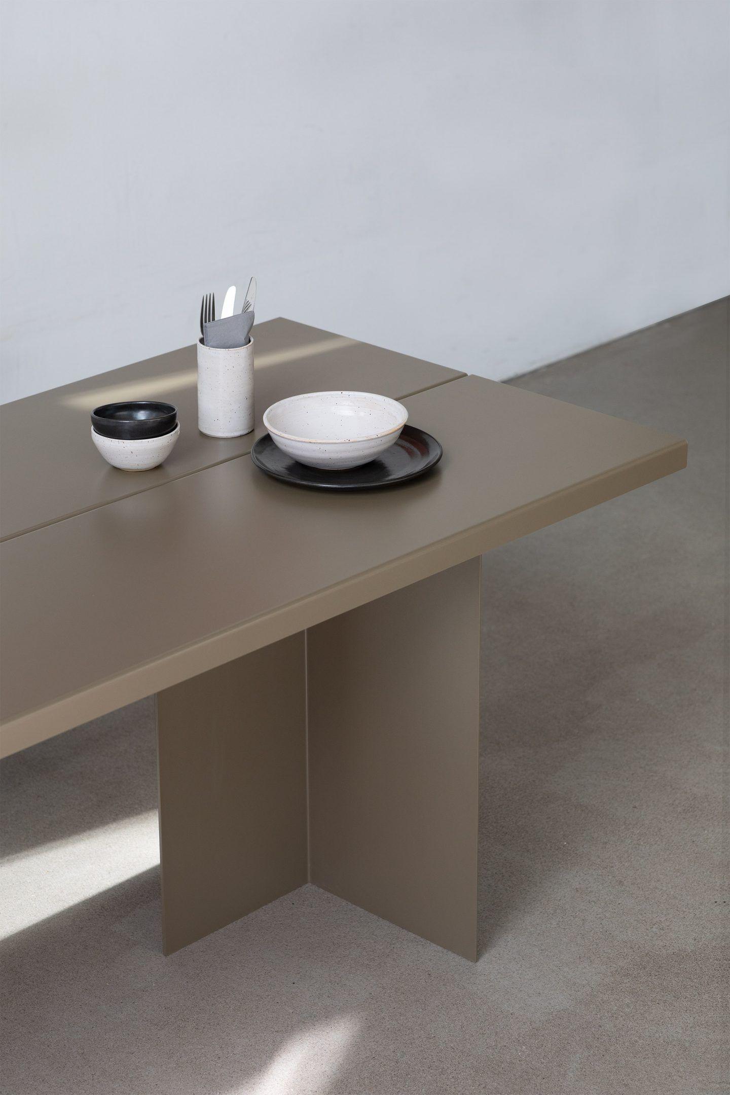 IGNANT-Design-Objekte-Unserer-Tage-Zebe-Table-9