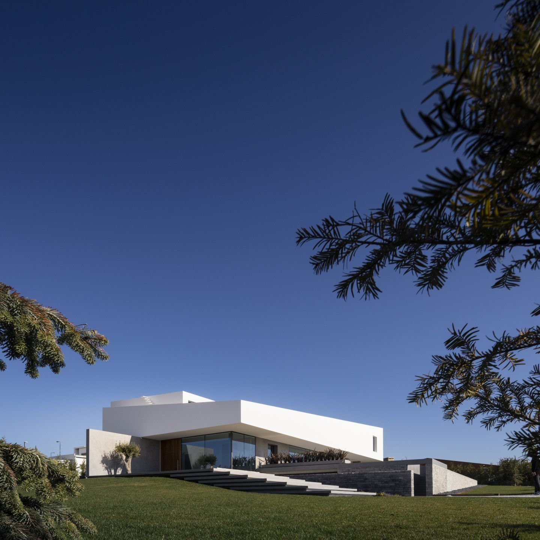 IGNANT-Architecture-Bica-Arquitectos-Belas-Clube-de-Campo-House-009