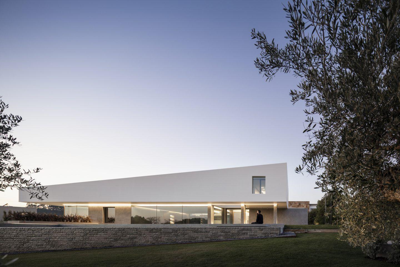 IGNANT-Architecture-Bica-Arquitectos-Belas-Clube-de-Campo-House-011