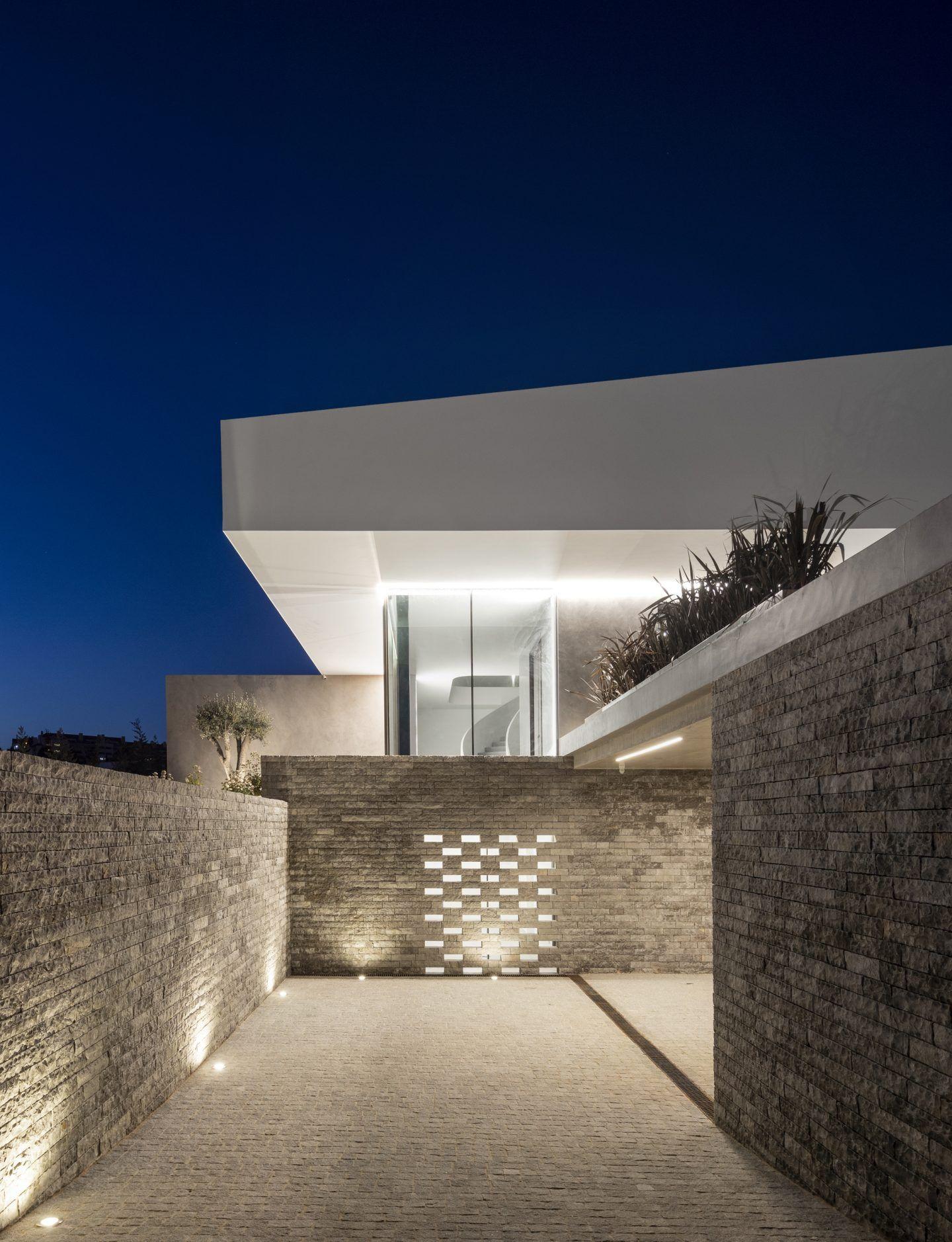 IGNANT-Architecture-Bica-Arquitectos-Belas-Clube-de-Campo-House-020