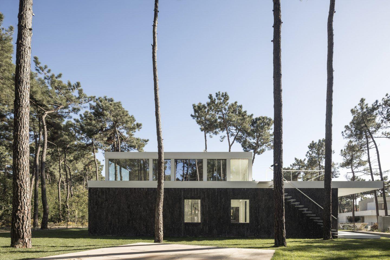 IGNANT-Architecture-Bica-Arquitectos-Herdade-da-Aroeira-House-001
