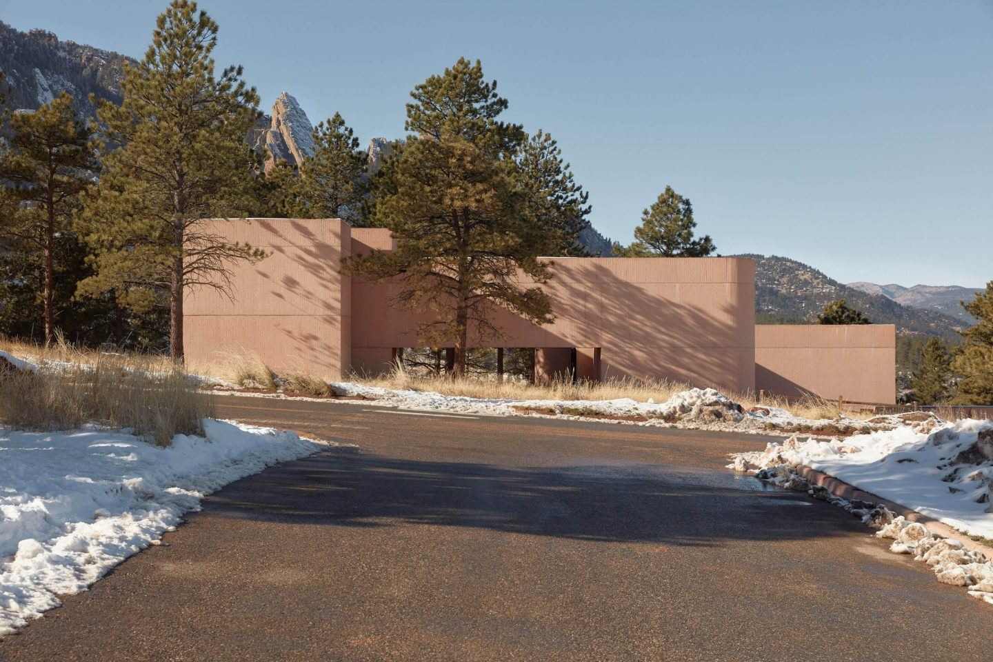 IGNANT-Architecture-Im-Pei-Mesa-Laboratory-By-Tom-Ross-13