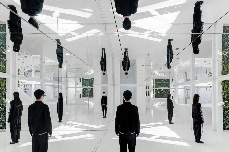 IGNANT-Architecture-Mirror-Garden-001