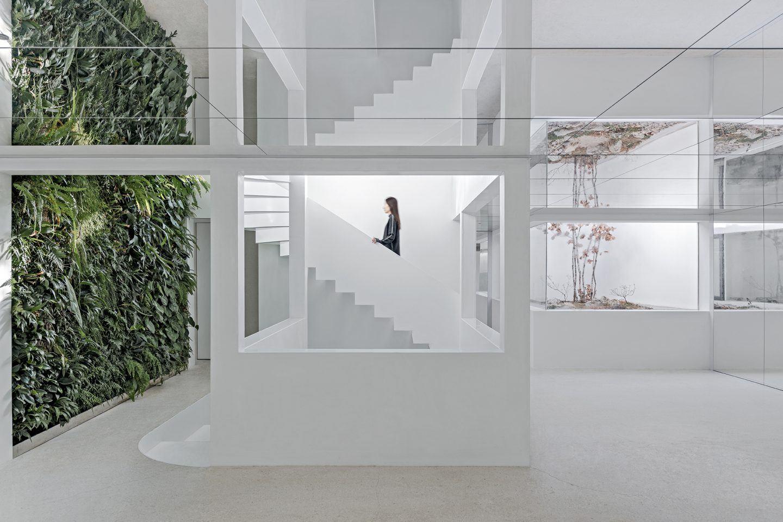 IGNANT-Architecture-Mirror-Garden-005