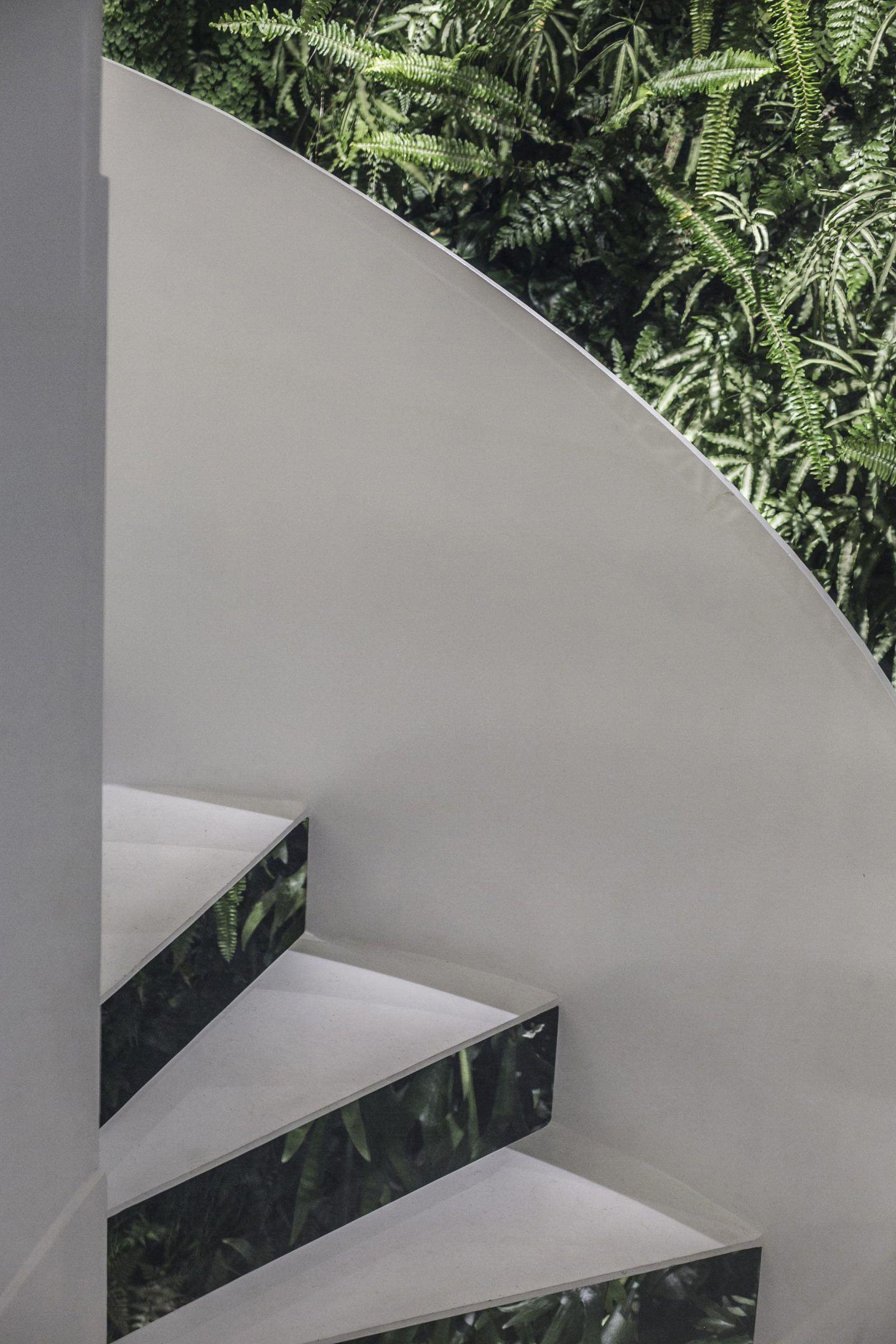 IGNANT-Architecture-Mirror-Garden-009
