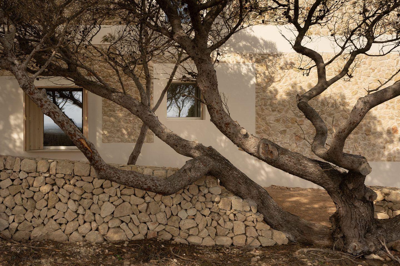 IGNANT-Architecture-Nomo-Studio-Stone-House-23