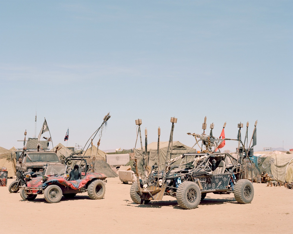 Anarchy And Freedom: Joe Pettet-Smith Photographs A Post-Apocalyptic...