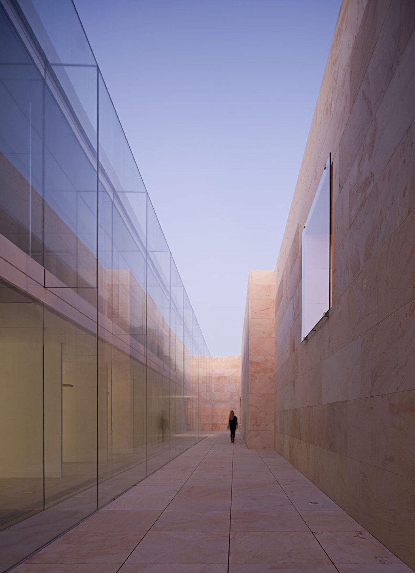 IGNANT-Architecture-Alberto-Campo-Baeza-Zamora-Offices 10