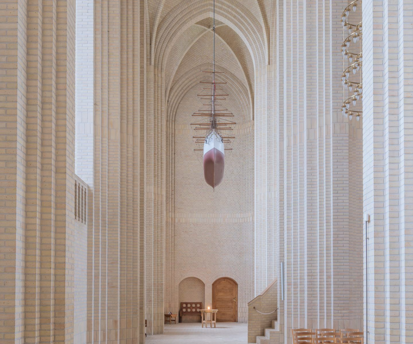 IGNANT-Photography-Ludwig-Favre-Copenhagen-Church-03