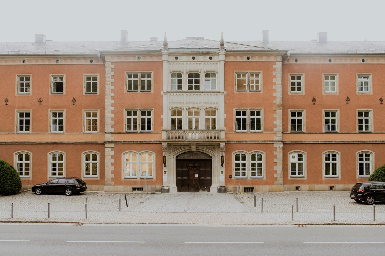 ignant-hugo-boss-meissen-factory-visit-franz-gruenewald-22