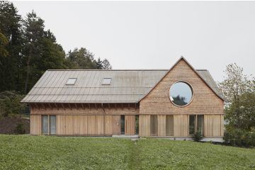 IGNANT-Architecture-Innauer-Matt-Architekten-House-With-Three-Eyes-01