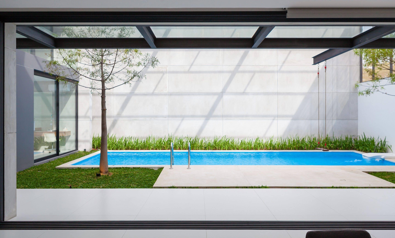 IGNANT-Architecture-Ivan-Priatman-JJ-House-01