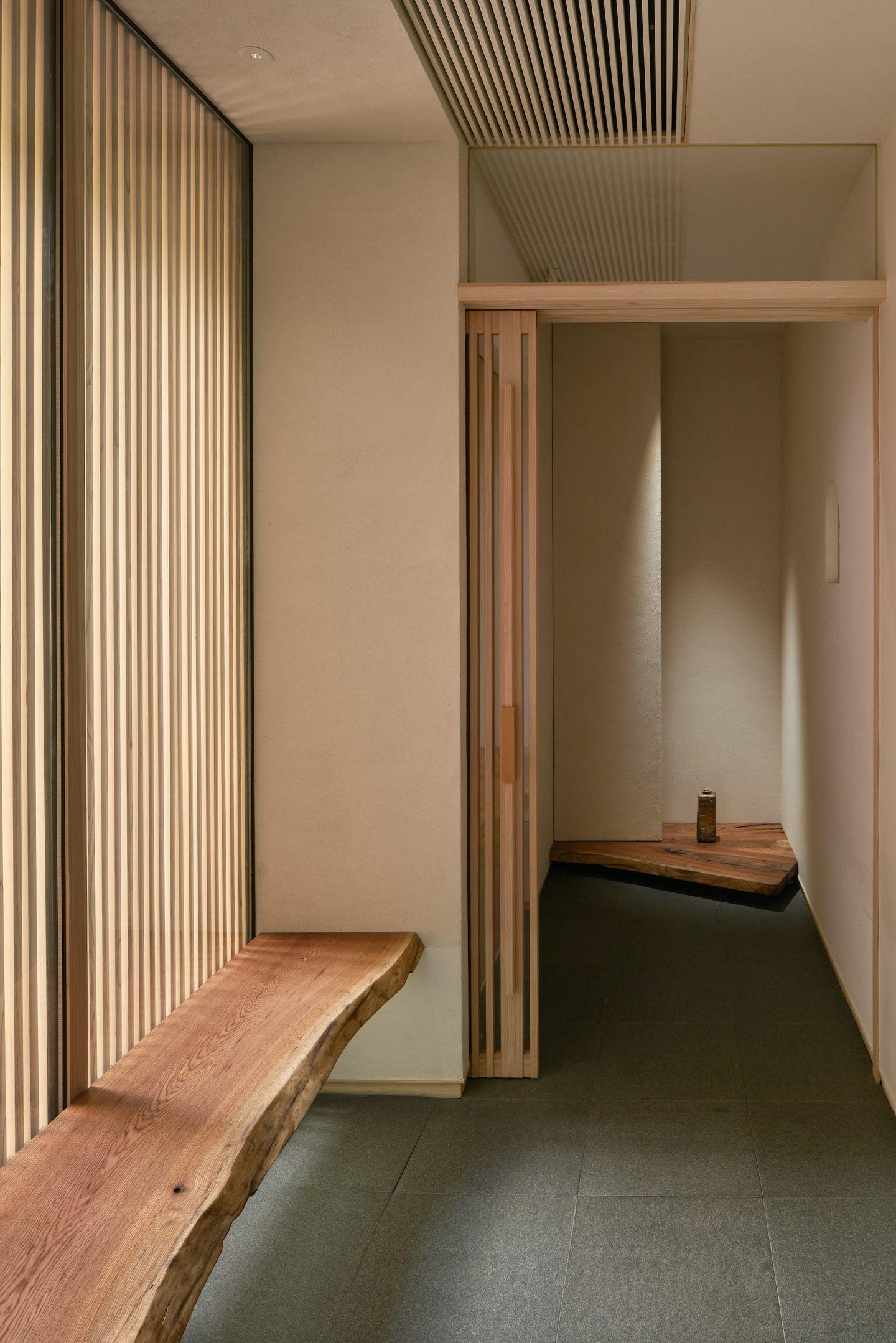 IGNANT-Architecture-Keiji-Ashizawa-Sushi-Mizukami-04