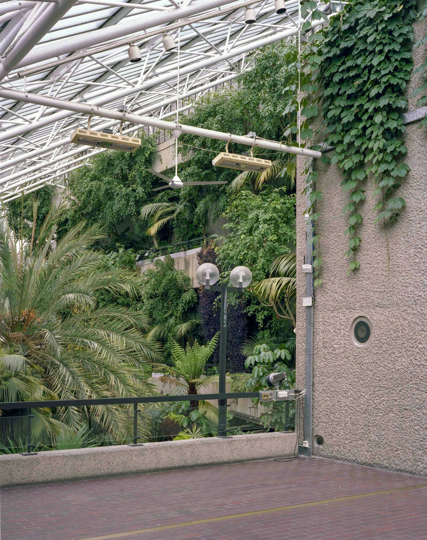 IGNANT-Travel-Luke-Hayes-The-Barbican-Conservatory-04