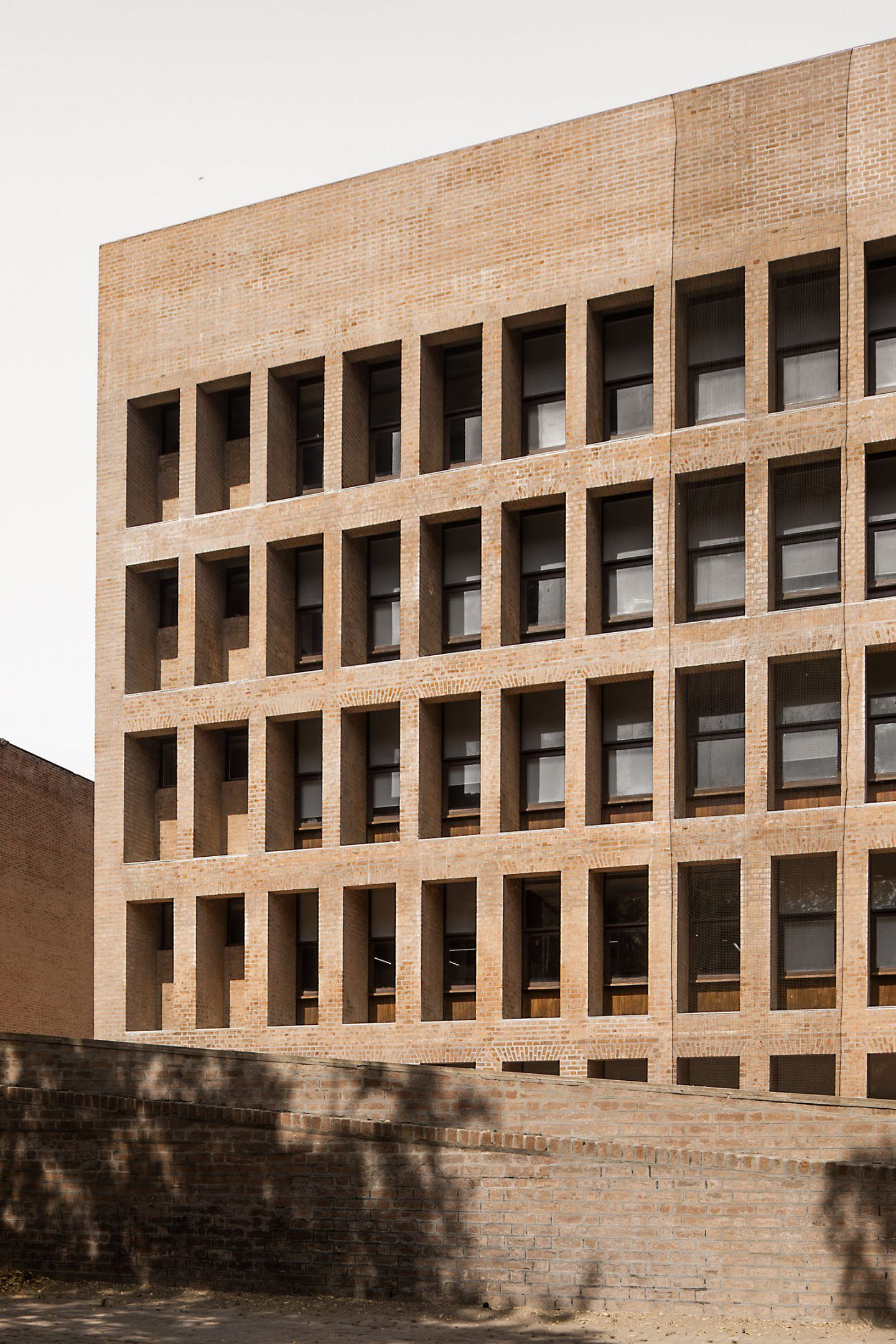 IGNANT-Photography-Louis-Kahn-Jeroen-Verrecht-Indian-Institute-Management-Ahmedabad-02