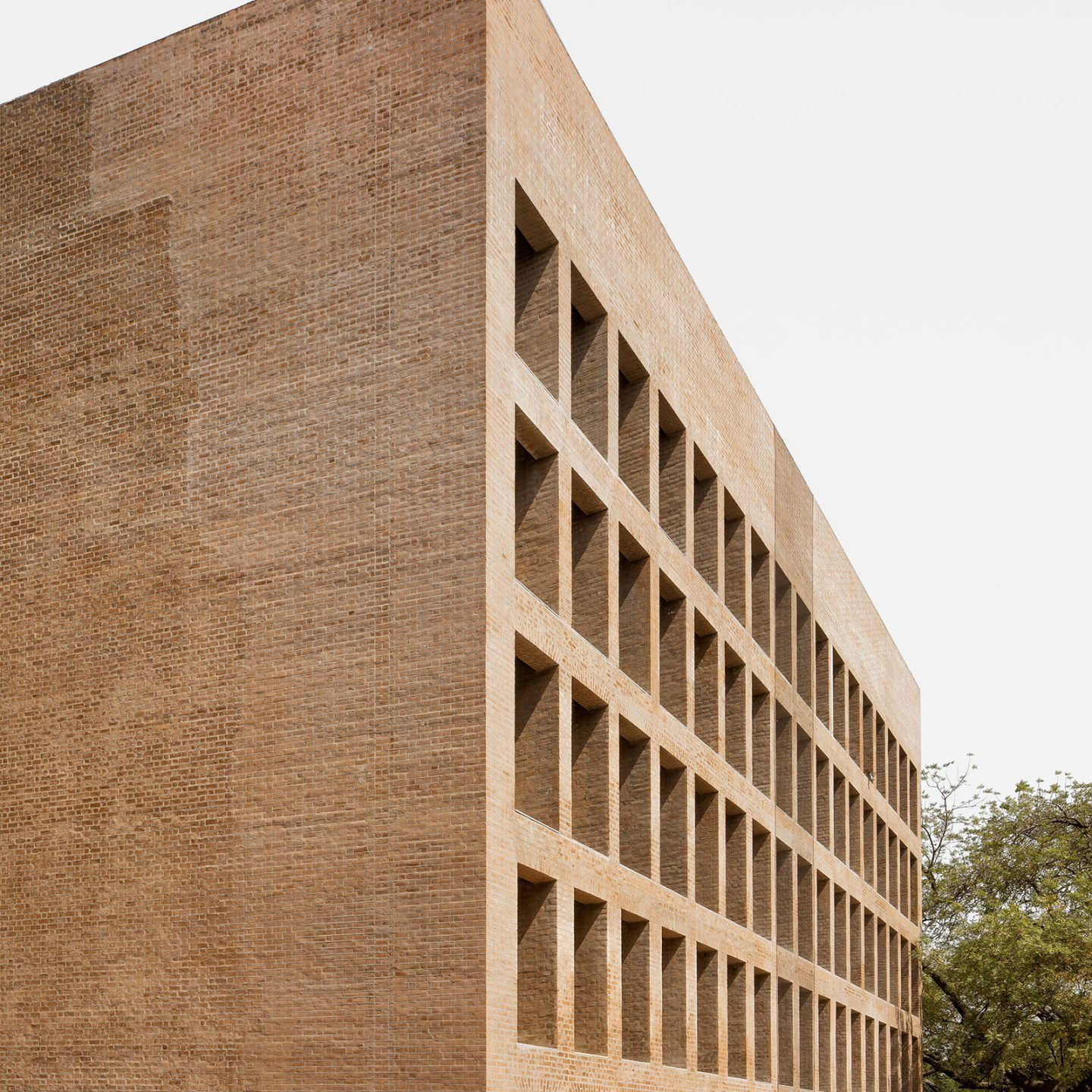 IGNANT-Photography-Louis-Kahn-Jeroen-Verrecht-Indian-Institute-Management-Ahmedabad-04