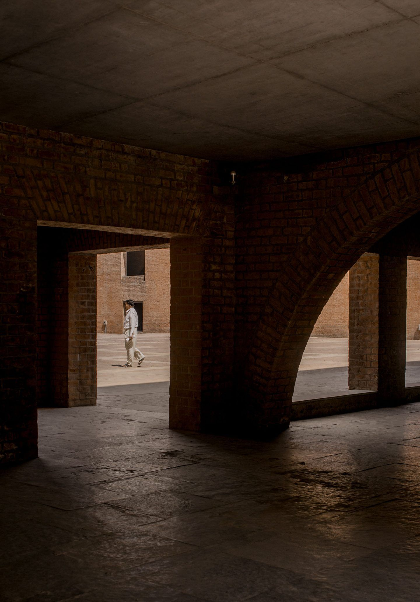 IGNANT-Photography-Louis-Kahn-Jeroen-Verrecht-Indian-Institute-Management-Ahmedabad-07