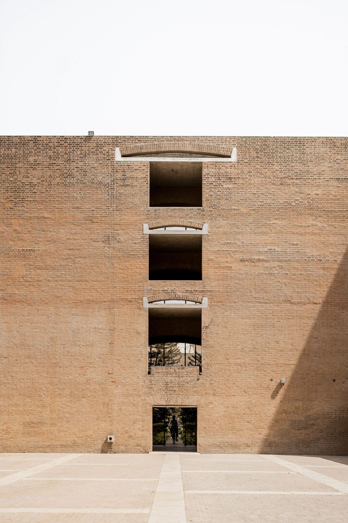 IGNANT-Photography-Louis-Kahn-Jeroen-Verrecht-Indian-Institute-Management-Ahmedabad-08