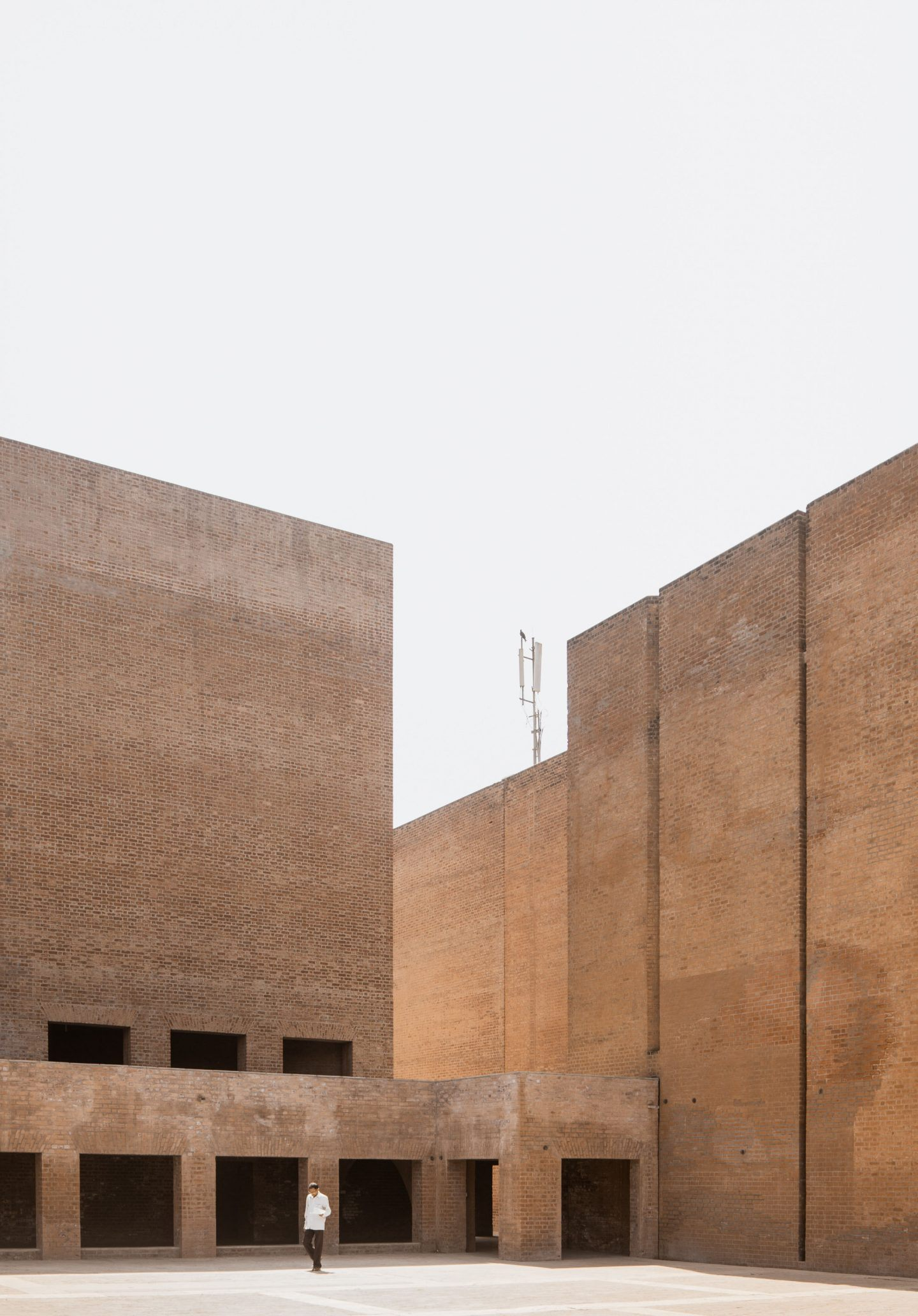 IGNANT-Photography-Louis-Kahn-Jeroen-Verrecht-Indian-Institute-Management-Ahmedabad-09