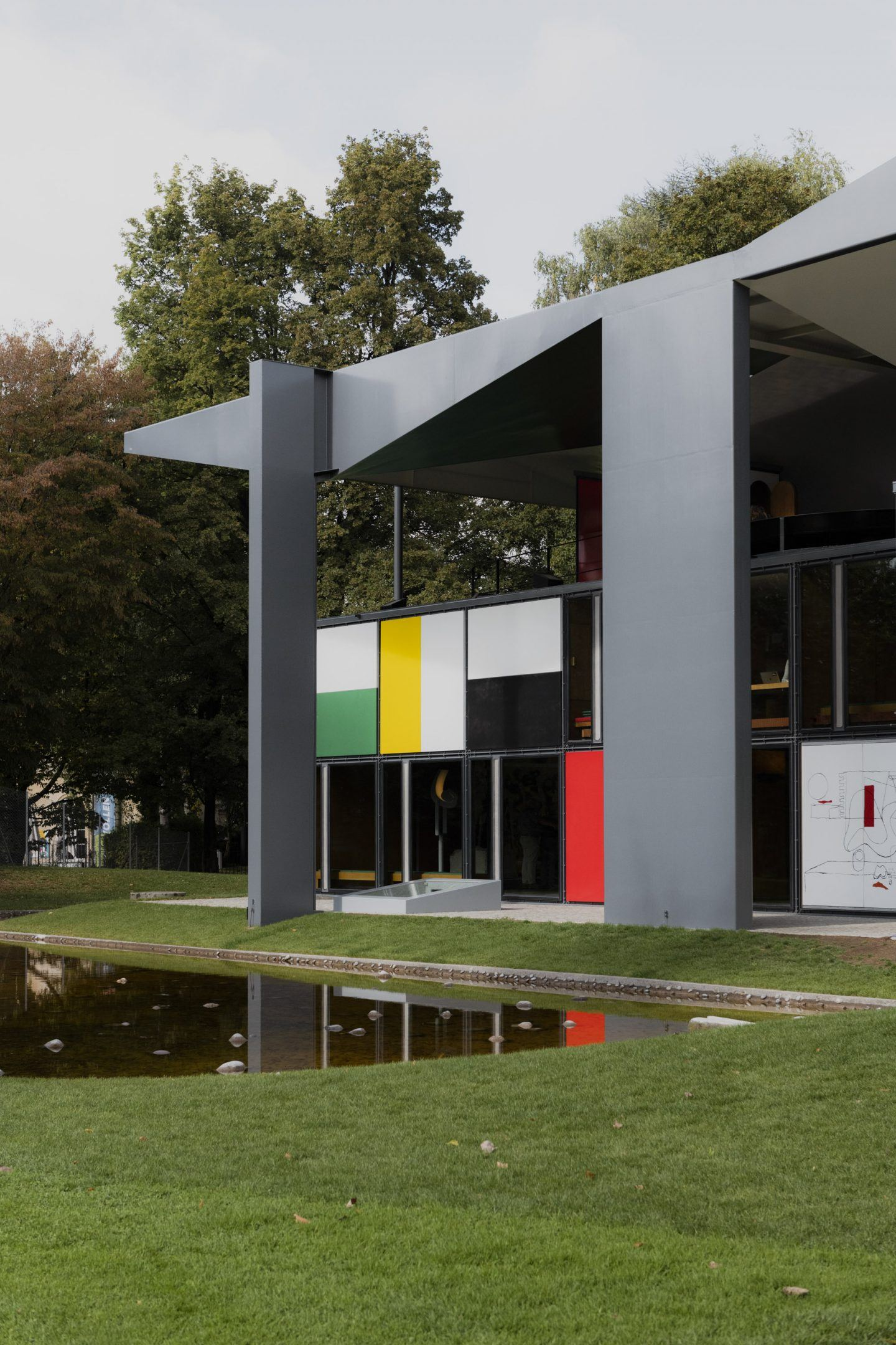 IGNANT-zurich-swizerland-PAVILLON-CORBUSIER-Franz-Gruenewald-12