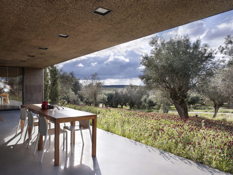 IGNANT-Architecture-Alepo-Vora-Villa-Extramuros-01