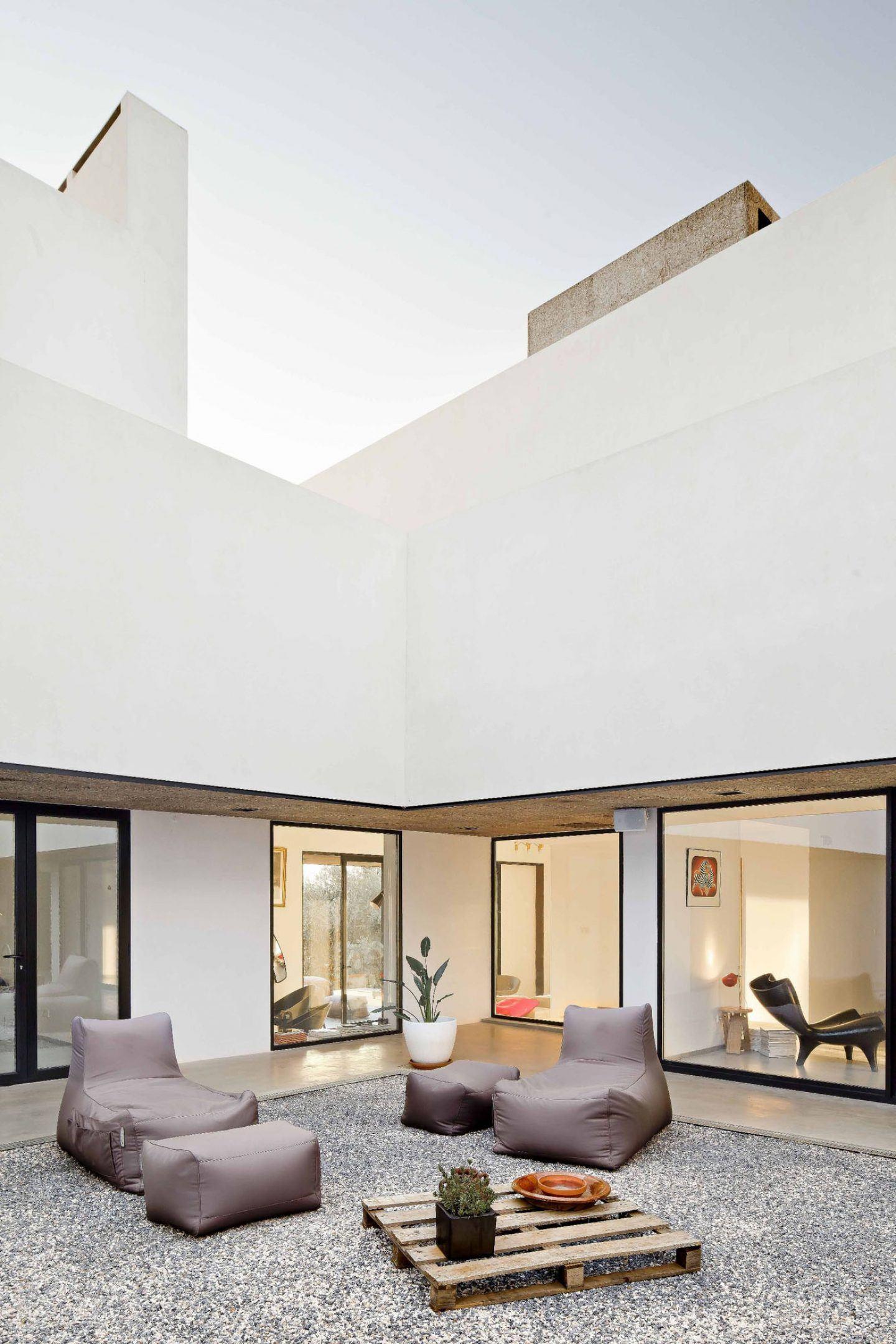 IGNANT-Architecture-Alepo-Vora-Villa-Extramuros-04