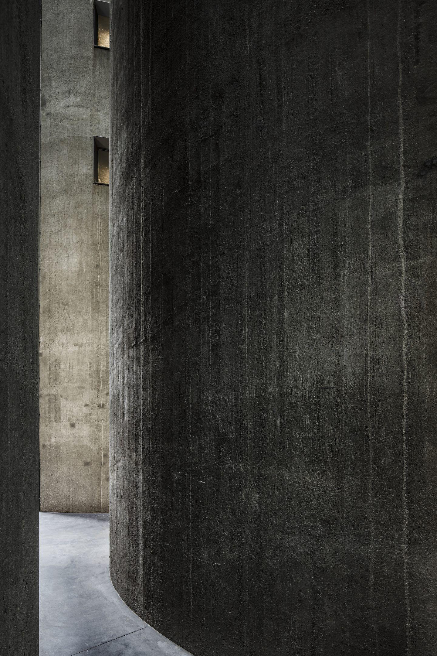 IGNANT-Architecture-Arjaan-De-Feyter-Silo-Apartment-18