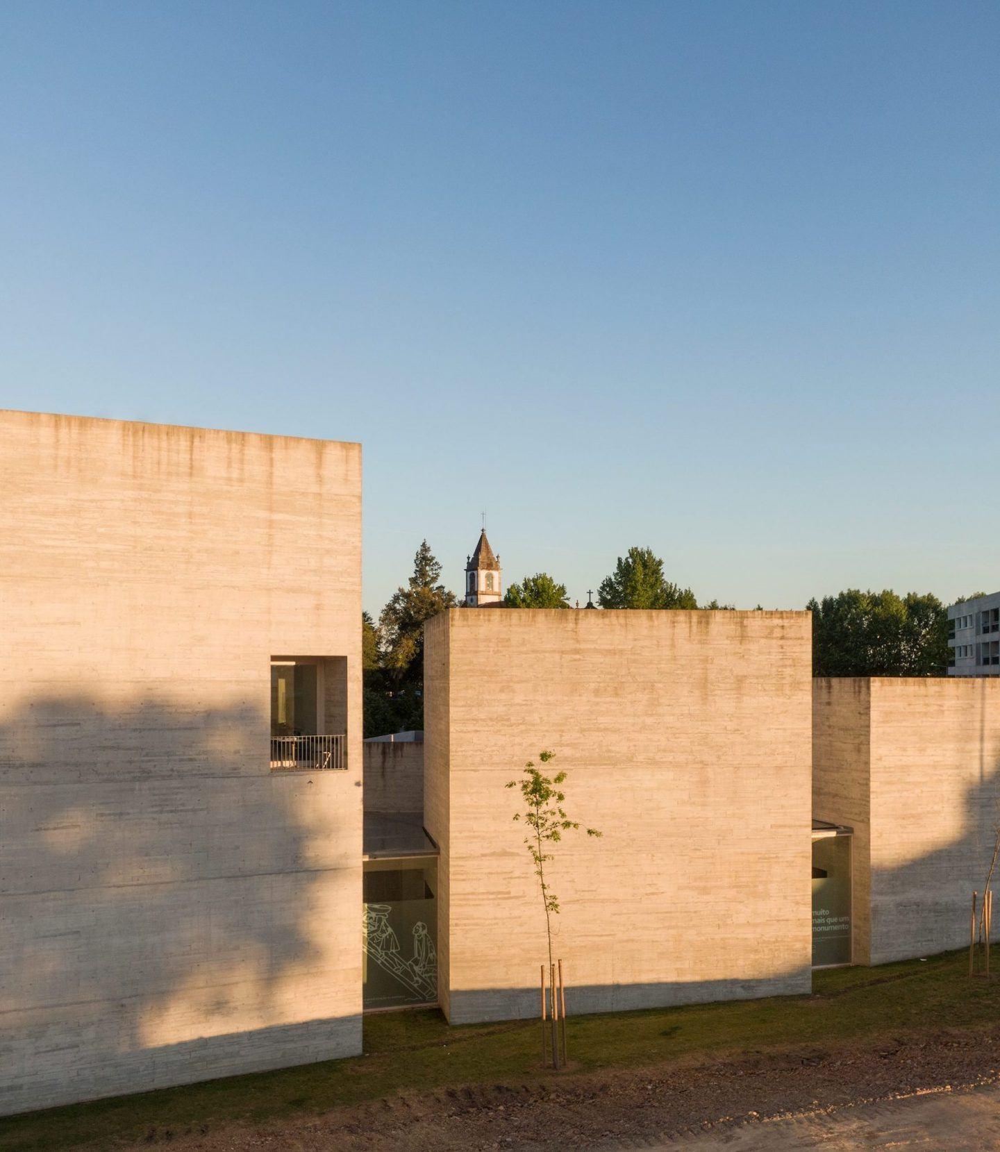 IGNANT-Architecture-Spaceworkers-Interpretation-Centre-Of-Romanesque-02