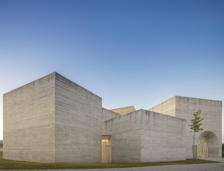 IGNANT-Architecture-Spaceworkers-Interpretation-Centre-Of-Romanesque-06
