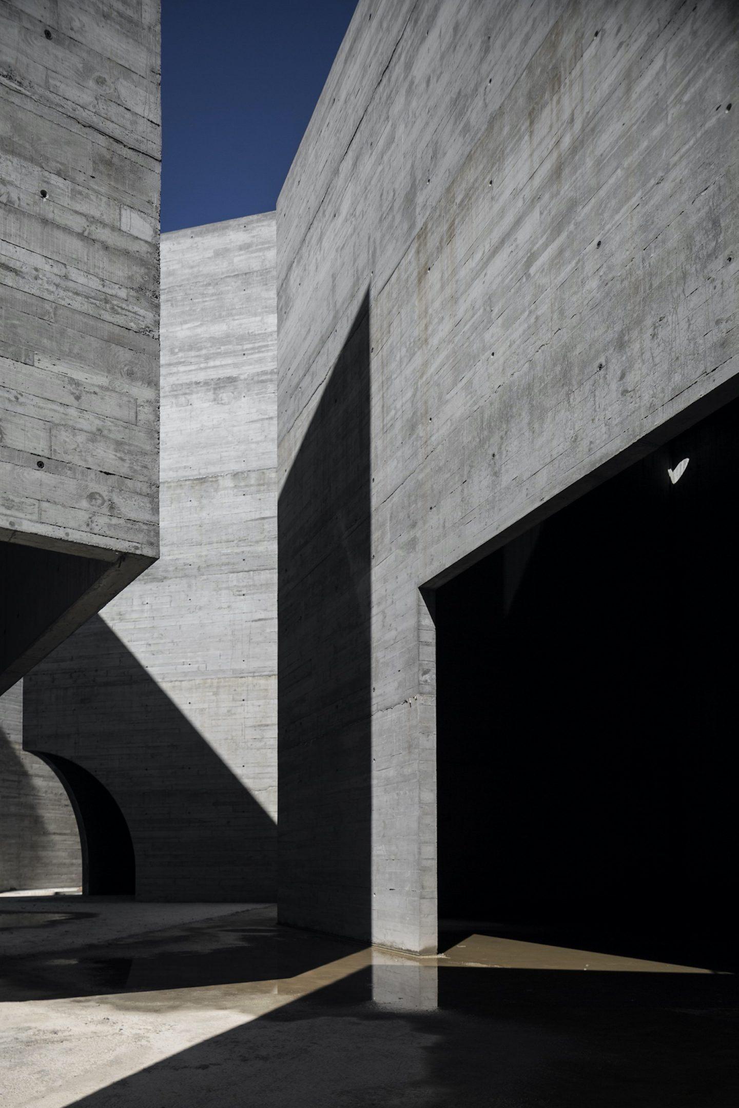 IGNANT-Architecture-Spaceworkers-Interpretation-Centre-Of-Romanesque-11