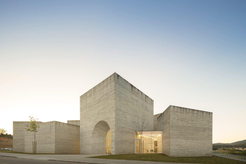 IGNANT-Architecture-Spaceworkers-Interpretation-Centre-Of-Romanesque-13