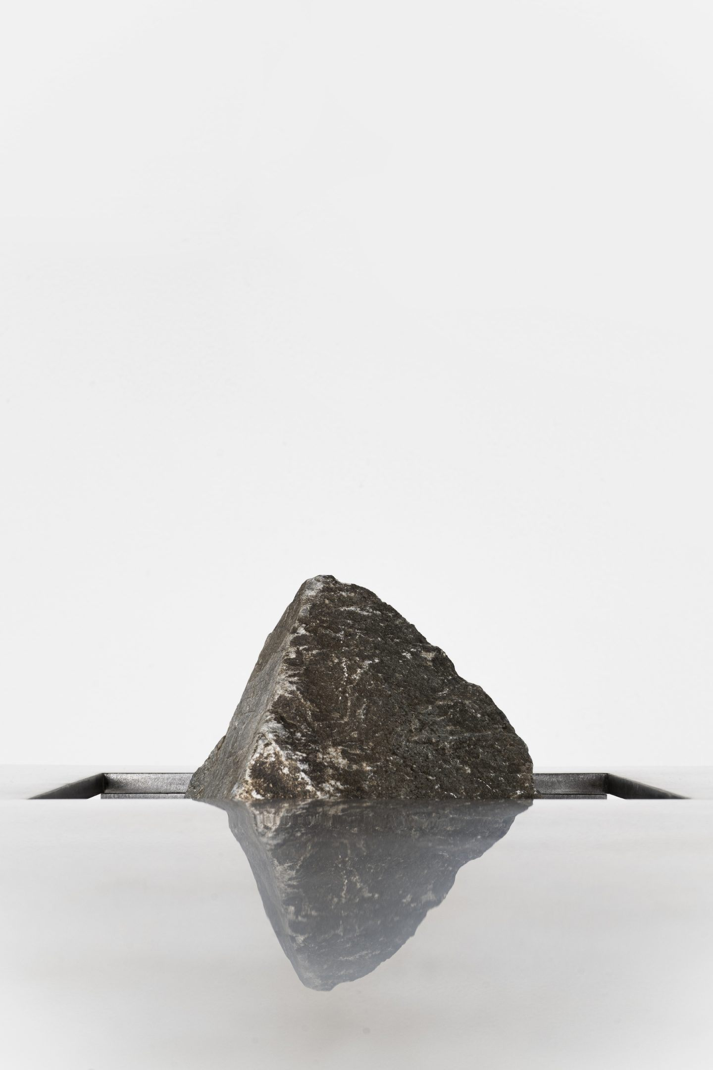 IGNANT-Design-Sisan-Lee-Proportions-Of-Stone-11