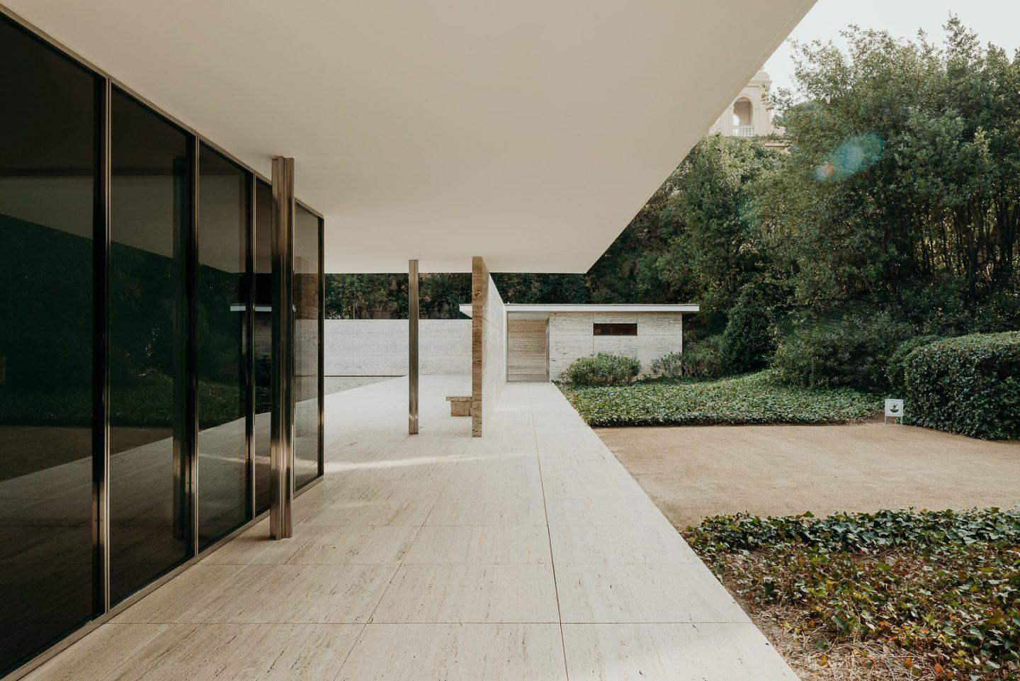 IGNANT-Architecture-Barcelona-Pavilion-Ludwig-Mies-Van-Der-Rohe-Maciej-Jezyk-016