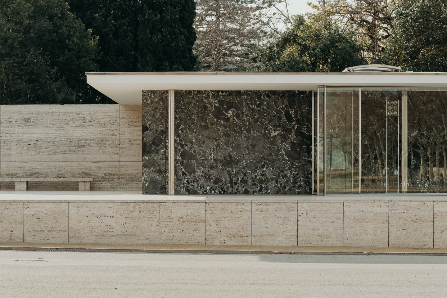 IGNANT-Architecture-Barcelona-Pavilion-Ludwig-Mies-Van-Der-Rohe-Maciej-Jezyk-02